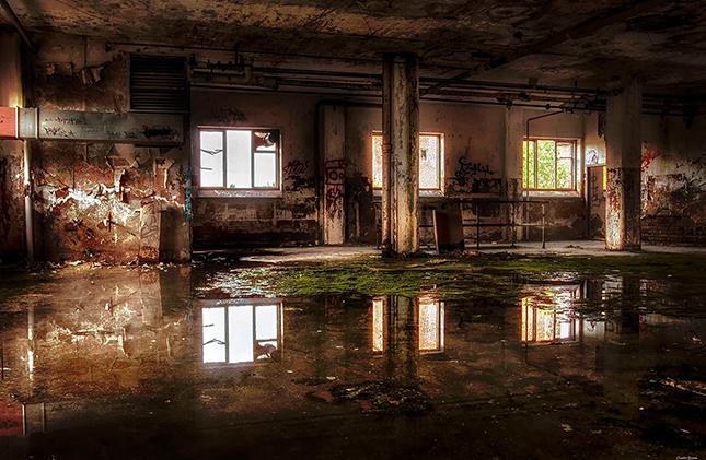 Övergiven fabrik i Dalarna