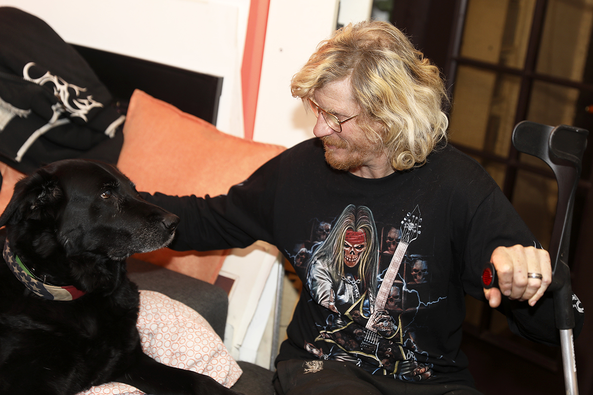 Hans-Erik Johansen och hunden Lajka.
