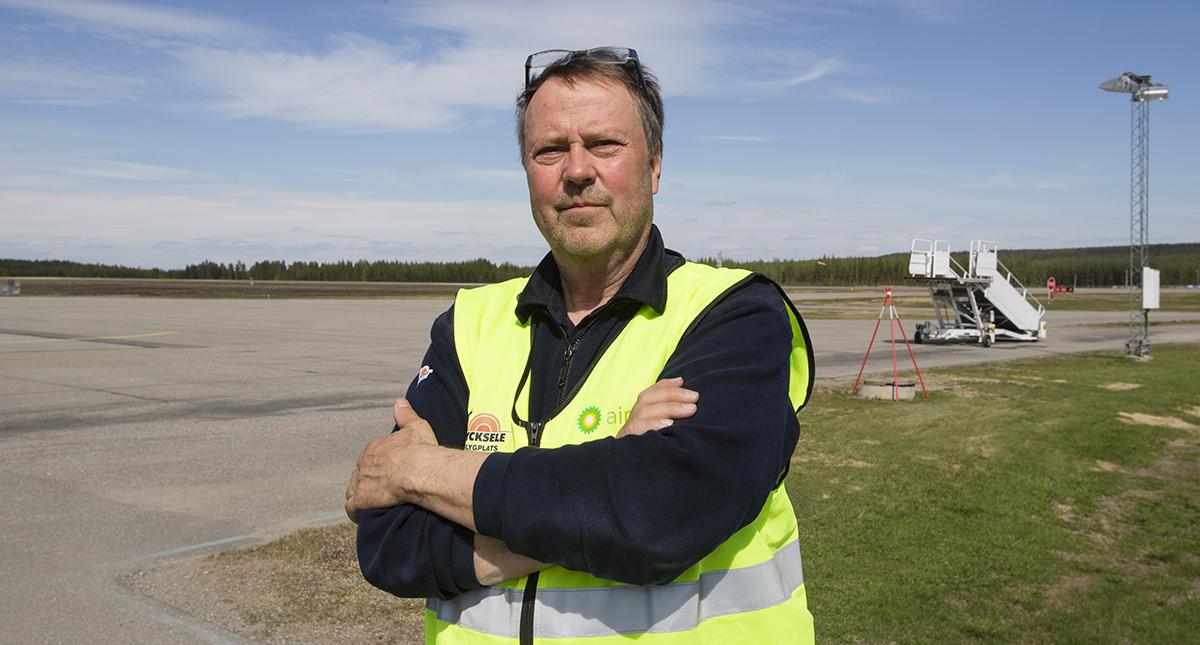 Carl-Bertil Essebro, Lycksele flygplats.