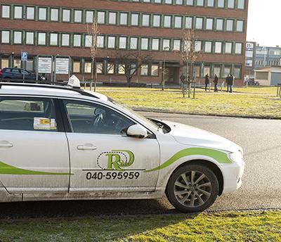 Ringduve taxis beställningscentral ligger bara ett par stenkast från Transports Malmöavdelning.