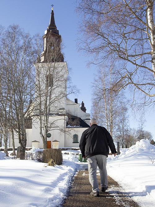 """Per-Olof """"Turken"""" Lundin vid Ockelbo kyrka"""