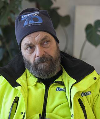 Christer Sjödin har av gammal vana varit med i Seko. Eftersom han jobbar på Transports miljöarbetaravtal kommer han nu att gå över till Transport.