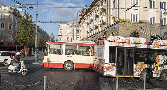 I Litauens huvudstad Vilnius är trådbussar en vanlig syn.